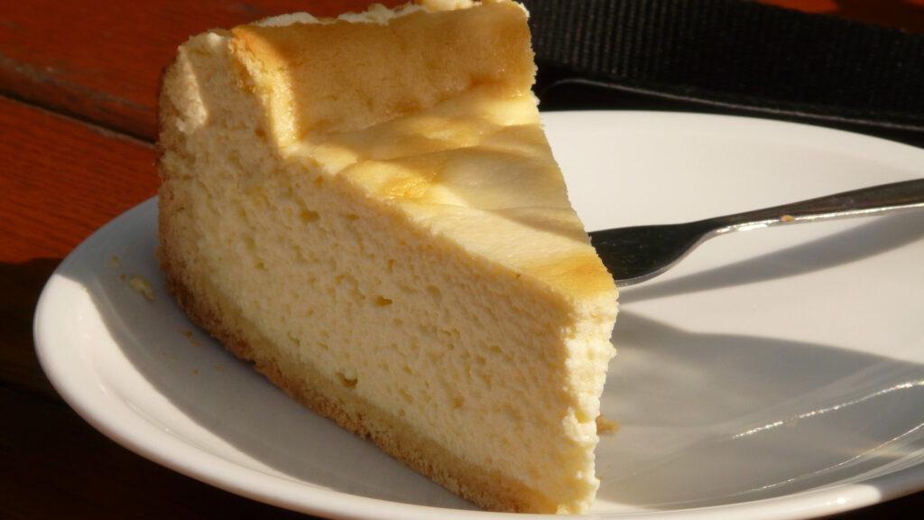 lo-que-debes-evitar-al-hacer-una-tarta-de-queso-1920